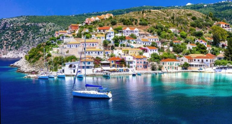 Tips to Follow When Travelling to Greece